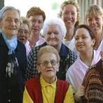 gruppo di anziani
